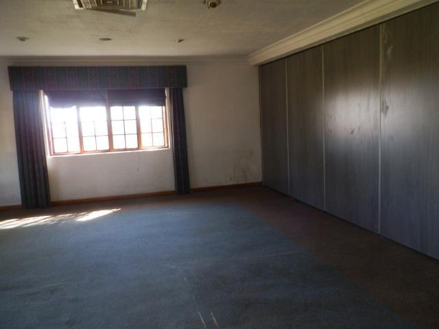 Property For Sale in Mnandi, Centurion 5